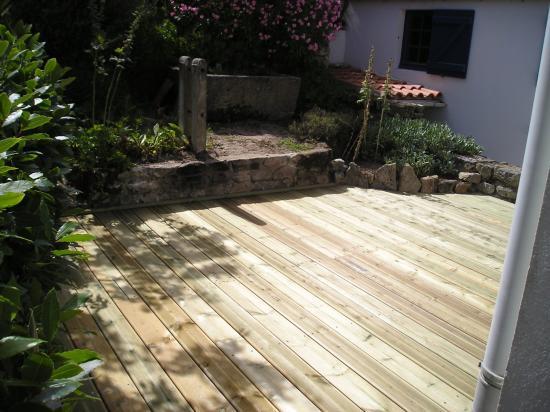 Installer Une Terrasse En Bois Et Une Bordure De Pierre Pictures to