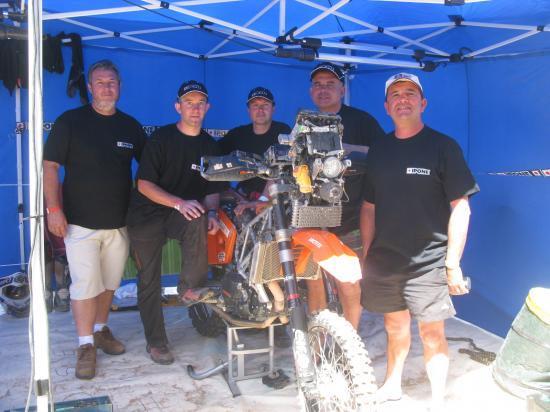 Le team Morin Mc Sut Dakar et la KTM de José