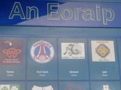 Le blason des Dragons Eire'Lempdais sur le mur célébrant les 125 ans de la GAA à Croke Park
