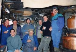 Au centre des bouilleurs de cru de Malain : Le Guizou