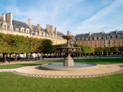 the Vosges Place - le Marais