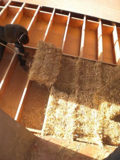 peut on isoler son toit avec de la paille qrmaison. Black Bedroom Furniture Sets. Home Design Ideas