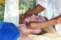 Massage du visage_indika_massages_ayurveda_sion_valais_suisse