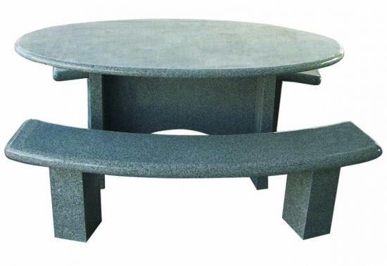 Table en granit salon de jardin en granit for Salon de jardin en granit