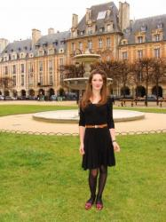 Adeline, private guide, Esprit de Paris, Place des Vosges
