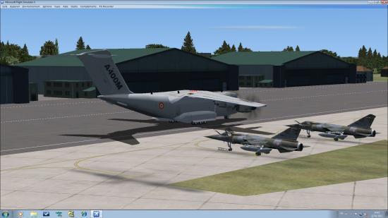 Arrivée sur le parking des escadrons