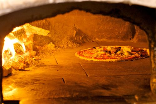 Restaurant LO SCUGNIZZO # Pizza Feu De Bois Nancy
