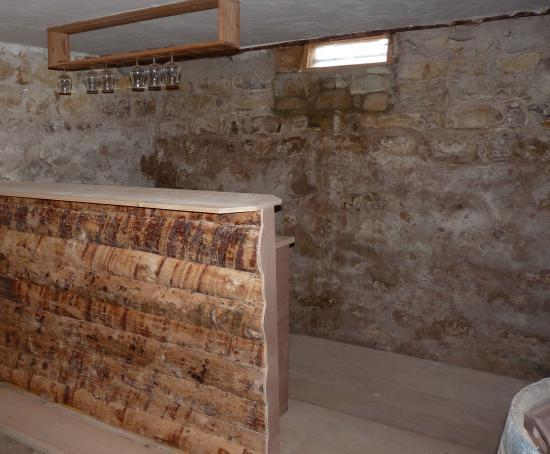 cave enterr e. Black Bedroom Furniture Sets. Home Design Ideas