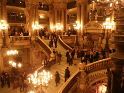 Les escaliers de l'Opéra Garnier un soir de spectacle, the Opera House in Paris, Esprit de Paris - private guide