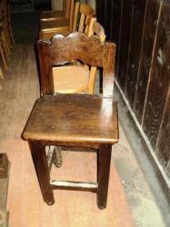 Chaise accompagnant l'harmonium