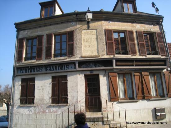 Ancienne Devanture à Jouy