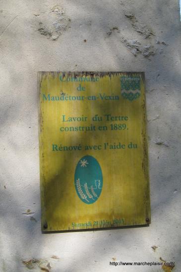 Plaque devant le Lavoir du Tertre à Maudétour