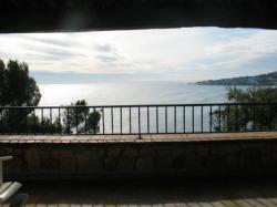 Le panorama de la baie vitrée du salon