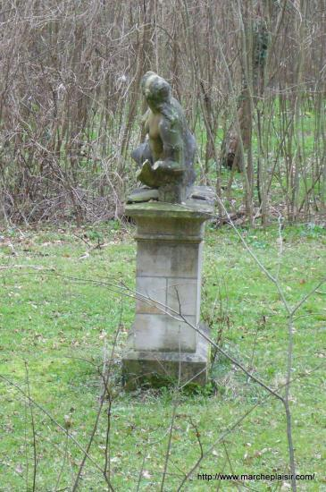 Statue dans le Domaine de Balincourt
