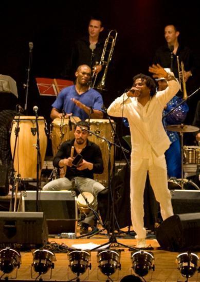 Concert 2009 - Nueva Banda - Olivier Bresler aux Congas