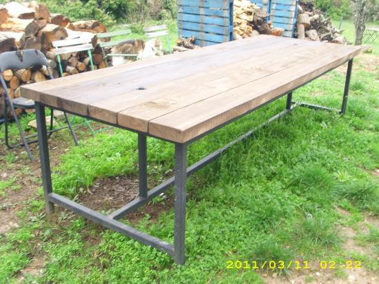 Table d 39 exterieur en bois for Table exterieur 3 metres